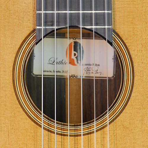 Rosette and label of guitar Eugenio Riba with cedar top and rosewood back and sides, year 2016