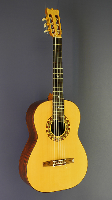 Pete Riddell guitar built by luthier Pete Riddell in 2009 with spruce top and cocobolo back and sides