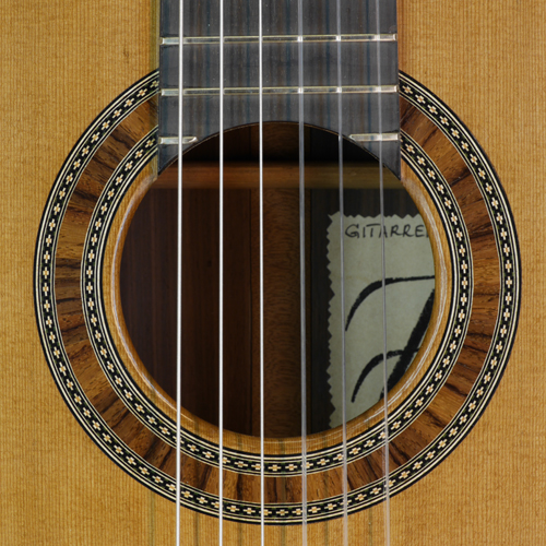rosette and label of Thomas Friedrich classical guitar cedar, rosewood, year 2015