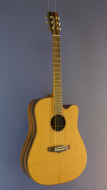 Tanglewood Westerngitarre Dreadnought-Form, Zeder, Mango, Cutaway, Pickup